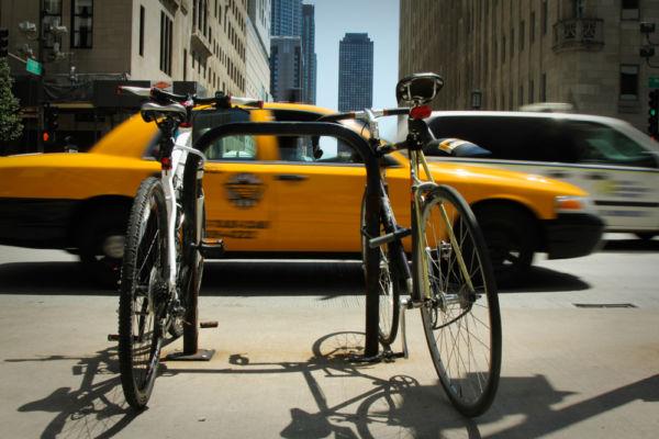 Taxi or bike? USA ©Mapi Rizzo